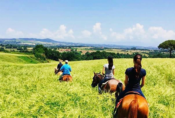 Passeggiata a cavallo nel Parco di Veio, escursione di interesse naturalistico-archeologico